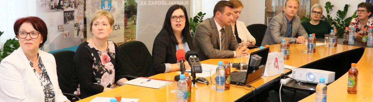 Ruka Podrške Koprivnica početna konferencija ruka podrške